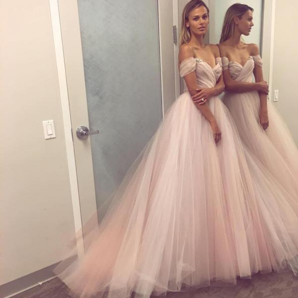 Off-Shoulder Ruched Tulle Couture Wedding Dress Bridal Ball Gowns