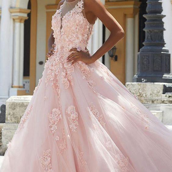 Distinctive evening dress Tulle Scoop Neckline ball gowns Cut-out A-line Prom Dress With Lace Appliques party dress 3D Flowers Beading